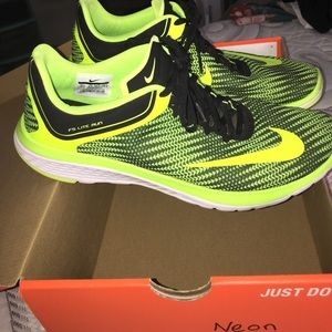 Nike 10.5 running shoes